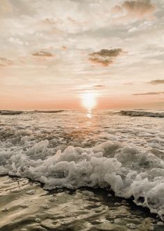 See more of vscovibess's content on VSCO. Ocean Wallpaper, Summer Wallpaper, Iphone Background Wallpaper, Beach Pictures Wallpaper, Wallpaper Gallery, Sunset Pictures, Aesthetic Pastel Wallpaper, Aesthetic Backgrounds, Aesthetic Wallpapers