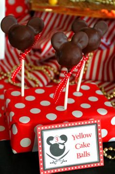 Mickey cake pops, Inspiration for Mobella Events, Event Planner Orlando, www.mobellaevents.com