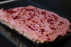 Brownie-cheesecake med hindbærskum - LCHF