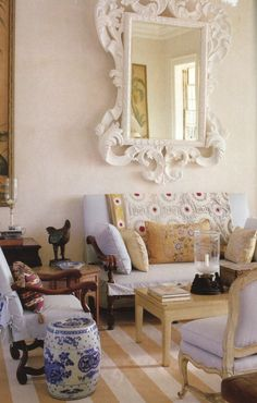 mp likes... Living Room by Bunny Williams and John Rosselli---featured in Town & Country Magazine, found on blog of Mark Sikes