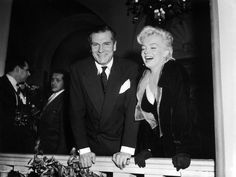 He gave me the dirtiest looks, even when he was smiling.- Marilyn on Laurence Olivier