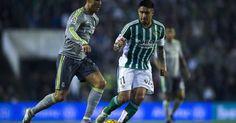 <p>Auf der Suche nach einem potentiellen Nachfolger seines von vielen Seiten heiß begehrten Außenverteidigers Ricardo Rodriguez, ist der VfL Wolfsburg laut der Zeitung <em>El Bocon</em> auf einen peruanischen Routinier gestoßen: Juan Manuel Vargas.</p><p>Der 32-jährige Defensivmann von Betis Sevilla spielt eine starke Saison in Spanien und hat wohl trotz des fortgeschrittenen Alters noch einige gute Jahre vor sich.</p><p>48 Mal lief Vargas für Perus Nationalteam...