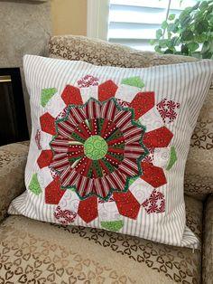 Throw Pillows, Quilts, Bed, Toss Pillows, Cushions, Stream Bed, Quilt Sets, Decorative Pillows, Log Cabin Quilts