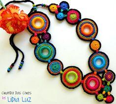 Lidia Luz: Ciranda das cores, colar de crochê (2)