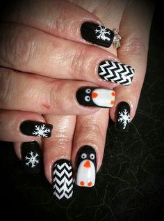 Penguin gel nails