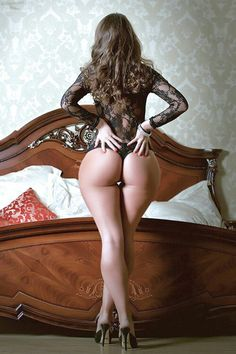 Sensual Curves: The Women! Hot Girls, Amazing Women, Beautiful Women, Beautiful Hips, Gorgeous Lady, Amazing Body, Talons Sexy, Pin Up, Modelos Plus Size