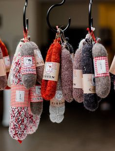 French knit Saucissons of the terroir français, 100% made in France for a humorous decoration. A typical gift from France so different and so trendy.