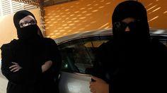 """""""Es como vivir esposada"""": las mujeres de Arabia Saudita relatan su calvario cotidiano"""