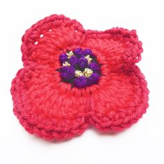 Crochet Flowers Ideas Get those hooks out. here's a free Remembrance Poppy Crochet Pattern. - Get those hooks out. here's a free Remembrance Poppy Crochet Pattern. Crochet Puff Flower, Crochet Flower Patterns, Crochet Blanket Patterns, Crochet Flowers, Knitting Patterns, Knitted Poppy Free Pattern, Doll Amigurumi Free Pattern, Free Crochet, Knitted Poppies