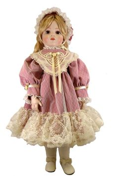 "Victorian Heart Dress for 28"" Dolls"