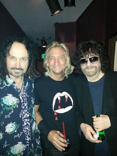 (l/r) Mike Campbell (Tom Petty and the Heartbreakers, The Fleetwood Mac), Joe Walsh (The Eagles) and Jeff Lynne (E. Great Bands, Cool Bands, Elo Band, Jeff Lynne Elo, Mike Campbell, Eagles Band, Travelling Wilburys, Hanging With Friends, Tom Petty