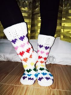 It's finally out! Wow making a pattern for this socks is no joke. I'm glad I am able to post this one before Valentine's Day ends. T...
