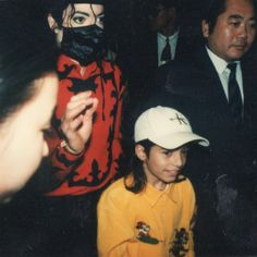 "9,356 mentions J'aime, 389 commentaires - Omer Bhatti (@kidslife) sur Instagram : ""Mobbin in Japan, circa '96."""