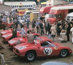 SEFAC Ferrari lineup at Le Mans with the winning Ferrari Le Mans, Michael Fisher, Ferrari Racing, Ferrari F1, Course Automobile, Best Muscle Cars, Vintage Racing, Vintage Auto, Car In The World