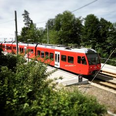 Zürich @clickcz #train #zug #uetl...Instagram photo | Websta (Webstagram) Easy Diy Crafts, Diys, Zurich, Instagram, Train, Bricolage, Diy, Do It Yourself