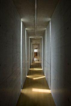 Eastern design office | Slit House ttp://nykyinen.com/eastern-design-office-slit-house/#