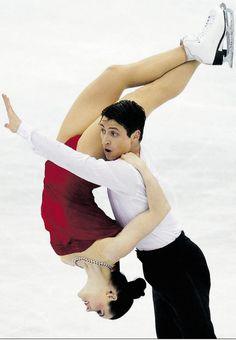 Tessa Virtue & Scott Moir  win gold at the 2012 World Championships