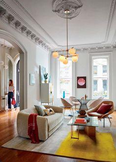 Beautiful high ceilings and details! Interior ideas, living room ideas, living room decor, home decor