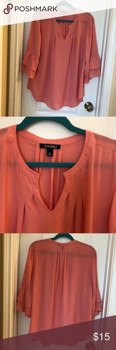 885e04d1525 Roz   Ali coral ruffle sleeve top! Sz. XL🧡💕 This top was