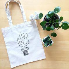 DIY : Un Tote Bag qui a du Piquant! | Lyly Plume Easy Diy Crafts, Reusable Tote Bags, Creative, Blog, Inspiration, Instagram, Photos, Bags, Purse