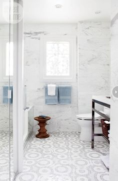 Bathroom renovation: Big style in a small space - Style At Home Glitter Bathroom, Mosaic Bathroom, Bathroom Floor Tiles, Bathroom Renos, Bathroom Interior, Master Bathroom, Tile Floor, Bathroom Modern, Washroom