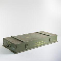 Alte Militärkiste auch als Wandbar, Vintage Schrank oder Sitzbank verwendbar?