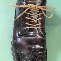 靴紐の結び方 オーバーラップとアンダーラップ 靴バカ.com Dr. Martens, Combat Boots, Shoes Sneakers, Trends, Fashion, Loafers & Slip Ons, Moda, Fashion Styles, Fashion Illustrations