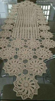 Free Patterns Archives - Beautiful Crochet Patterns and Knitting Patterns Filet Crochet, Col Crochet, Crochet Dollies, Crochet Diy, Crochet Chart, Crochet Home, Thread Crochet, Crochet Motif, Crochet Flowers