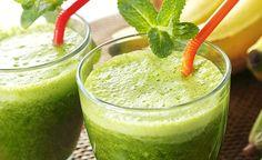 Hier finden Sie ein köstliches grünes Smoothie Rezept zum selber machen. Schwarzkohl - auch Grünkohl genannt - Smoothie ist in nur wenigen Schritten zubereitet und liefert Ihnen die nötige Energie die Sie für den Tag brauchen.