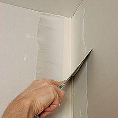 Drywall Finishing An Inside Corner Fine Homebuilding Article Mud Tape