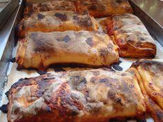 Scacce di Ragusa | Scacce di Modica, con pomodoro, prezzemolo o basilico e caciocavallo