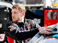 JR Motorsports says Jeffrey Earnhardt will drive the team's No. 5 Chevrolet in the Nationwide Series race in Richmond later this month. Jeffrey Earnhardt, Jr Motorsports, Nascar News, Race Cars, Chevrolet, Racing, Baseball Cards, Auto Racing, Lace