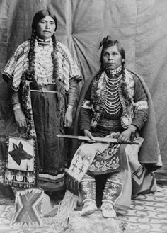Yakama woman named Kate Williamson with husband, Washington, ca… Native American Beauty, Native American Photos, Native American Tribes, Native American History, Native Indian, Indian Tribes, First Nations, People, Yakima Valley