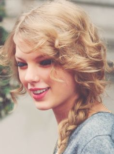 Taylor Swift Hairstyles: Fabulous Braided Hairstyles for Beauties