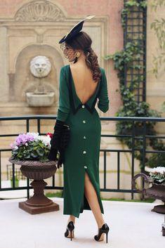 Vestido-midi-verdes-de-Cherubina-2.jpg (1327×1990)