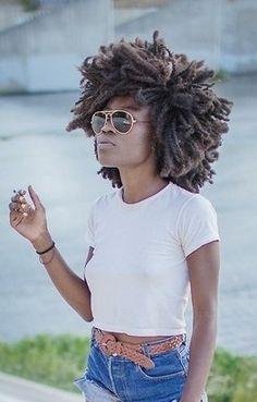 OHHHH MY GOSH!!!! I LOVE HER HAIRRR! Awesome dreadfro!!