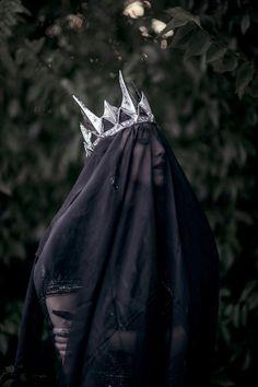 Mai Her (Mai Photography) – Dark Queen - Dark Beauty — January 2017 wedding veil photography Princess Photography, Dark Photography, Beauty Photography, Modeling Photography, Photography Magazine, Editorial Photography, Dark Beauty, Modeling Fotografie, Queen Aesthetic