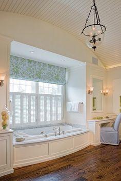 54 trendy bathroom window coverings dream homes Bathroom Window Coverings, Bathroom Windows, Bathroom Beadboard, Ceiling Beadboard, Roman Bathroom, Barrel Ceiling, Bathroom Colors, Serene Bathroom, Bathroom Designs
