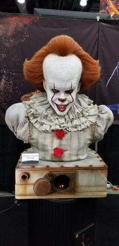 Pennywise by Elite Creature Collectibles, so much want! ❤️❤️