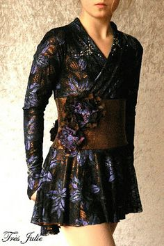 Kimono Dress Pattern (discontinued but available as a download) http://www.jaliesewingpatterns.com/2012/12/2673.html