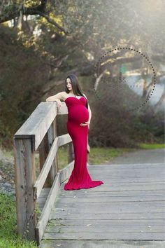 The ORIGINAL slim fit maternity gown as seen on Pregnancy Corner and Encore Magazine! Form fitting to show off your curves and long enough to spread out around your feet! Stunning heavy knit with a lo