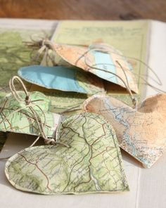 Vintage Map Hearts-I see these for Sis Christmas tree for all the places she has traveled Rowland Map Crafts, Travel Crafts, Cute Crafts, Arts And Crafts, Karten Diy, Heart Map, Diy Inspiration, Ideias Diy, Vintage Maps