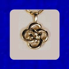 I want this!!    Irish Heritage Knot my.celticrings.com