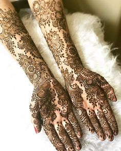 Latest Mehendi Designs for Hands & Legs - Happy Shappy Henna Hand Designs, Wedding Henna Designs, Mehndi Designs For Girls, Modern Mehndi Designs, Mehndi Design Pictures, Mehndi Images, Beautiful Mehndi Design, Arabic Mehndi Designs, Arabic Design