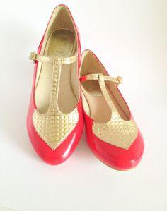 Red and golden Ballet Flats / Balerina Isadori Rojo por MinaShoes en Etsy, $63.00