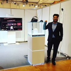 An awesome Virtual Reality pic! Virtual reality showroom the future of online shopping. #rolnikvr #vrconsultant #virtualreality #innoactivegmbh #mediamarkt #saturn #vrshowroom #htcvive #vrselling #hamburg by rolnikvr check us out: http://bit.ly/1KyLetq