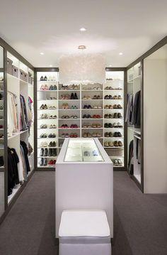 idée d'aménagement de dressing avec chaussures par Diane Bergeron