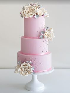Daily Wedding Cake Inspiration from Coco Cakes Australia. Wedding Cake Stands, Beautiful Wedding Cakes, Gorgeous Cakes, Pretty Cakes, Cute Cakes, Amazing Cakes, Wedding Cupcakes, Bolo Floral, Floral Cake