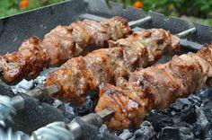 ΧΟΙΡΙΝΟ ΚΟΝΤΟΣΟΥΛΙ ΜΕ ΣΚΟΡΔΕΛΑΙΟ & ΜΟΥΣΤΑΡΔΑ Tandoori Chicken, Meat, Ethnic Recipes, Food, Essen, Meals, Yemek, Eten