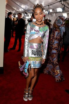 See All the Looks From the 2015 Grammy Awards Elle Magazine, 90s Kids, Red Carpet Fashion, Old And New, Diva, Girl Fashion, Celebrity Style, Awards, Glamour